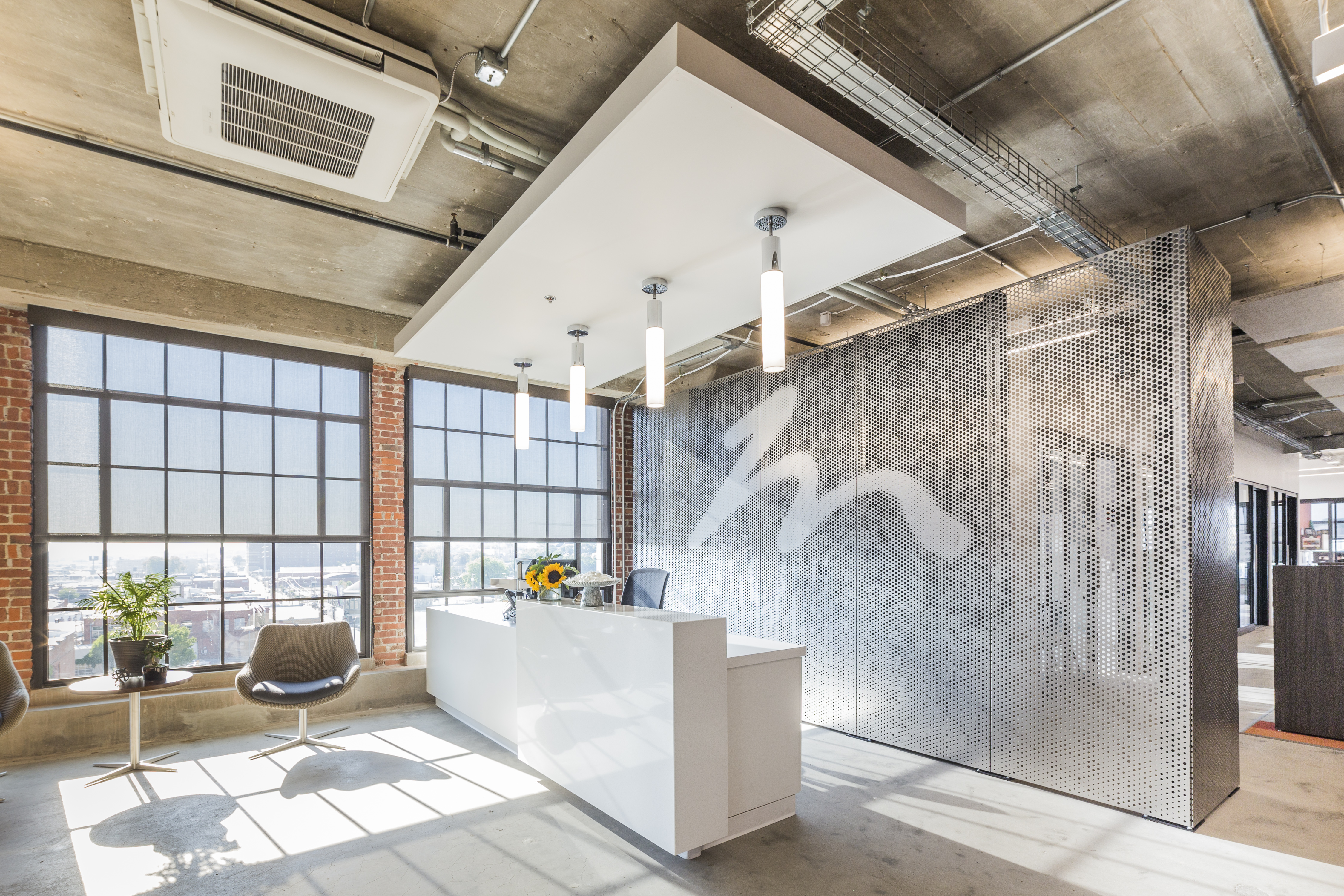 Project: Holmes Murphy Feature Wall. Role: project manager, design engineer. Photo: Zahner.